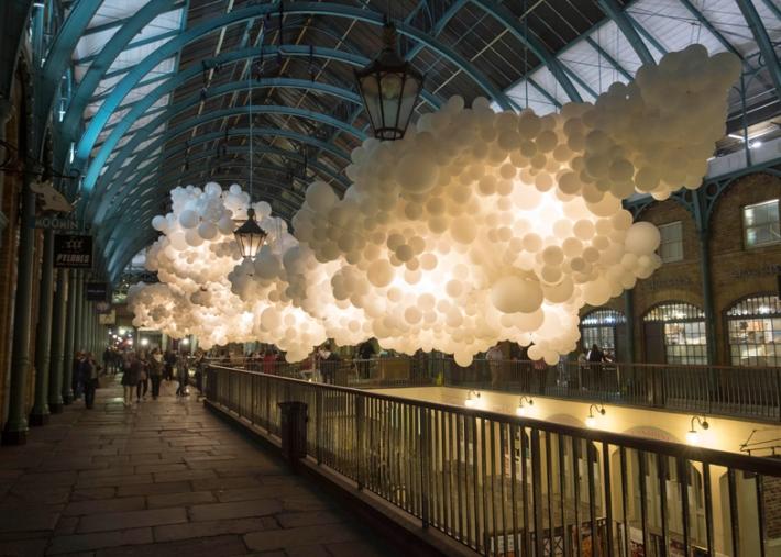 Charles-Petillon-Heartbeat-balloons-installation-at-Covent-Garden-market-London_dezeen_ss_5